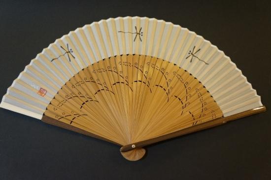 手書き絹扇 ベージュ地 トンボ